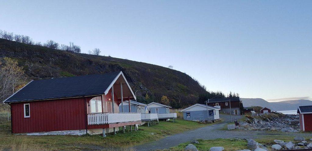Vannöy Sjöcamping sijaitsee Tromssan pohjoisosassa, jäämeren äärellä.